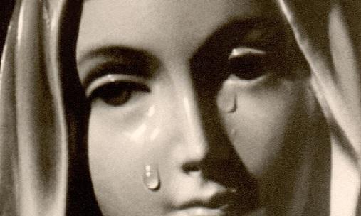 Les Larmes de Marie, le Sacrifice de son Fils et le symbolisme de la goutte d'eau versée dans le vin du calice