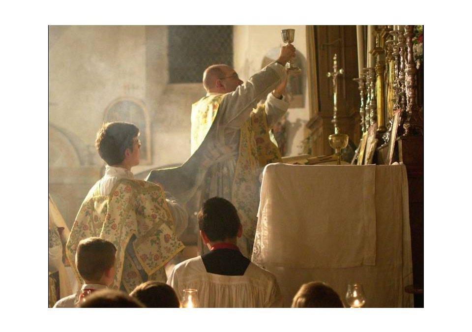 Michel Onfray: «La messe en latin, un patrimoine liturgique»